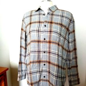 Roots button down shirt size large